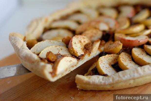 Пирог яблочный с какао