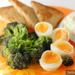 Яйца, броколи, маскарпоне