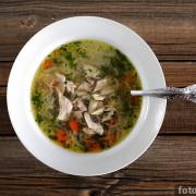 куриный суп с вермишелью - фото