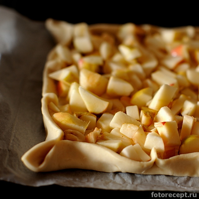 Рецепты из готового слоеного дрожжевого теста с яблоками