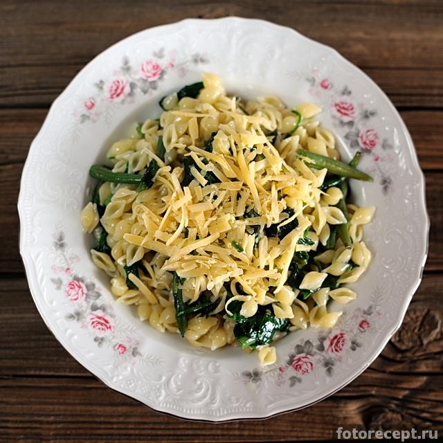 Паста со шпинатом и фасолью