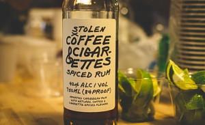 Ром с ароматом кофе и сигарет