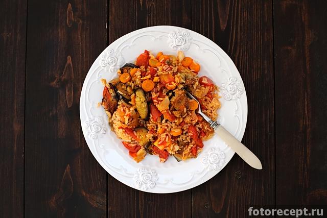 Запечённые баклажаны с помидорами и рисом