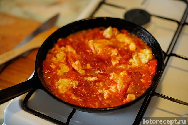 Как сделать пиццу на сковороде с помидорами