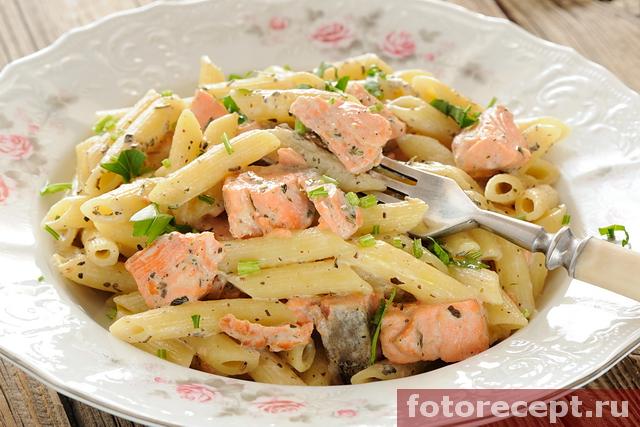 Спагетти с красной рыбой