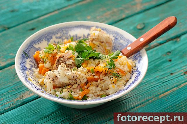 Целая тыква, запечённая с мясом и рисом