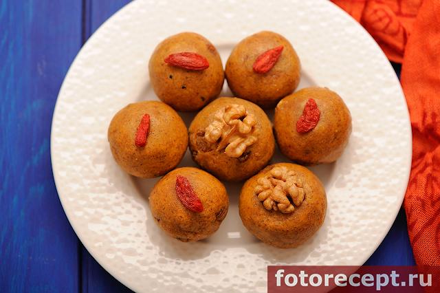 Ладду – вегетарианские сладости из нутовой муки