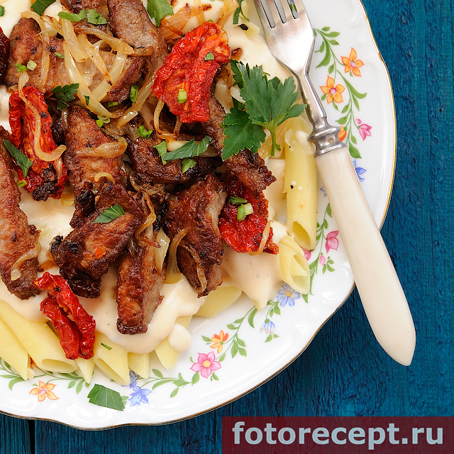 Stewed-beef-meat-with-Bechamel-and-penne-pasta-05